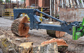 Колун для бревен и дров на базе погрузчика